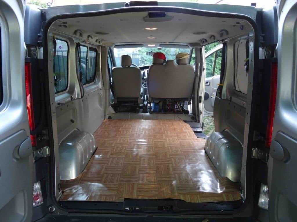 Come camperizzare un furgone fai da te senza omologazione for Allestimento furgoni fai da te